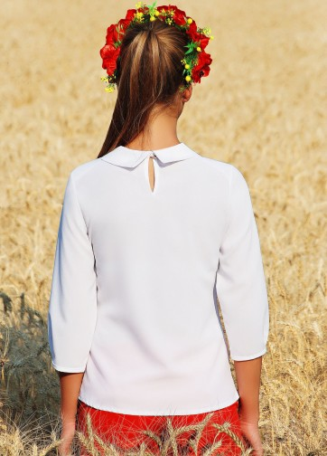 Блузка-вышиванка свободного кроя с рукавом три четверти