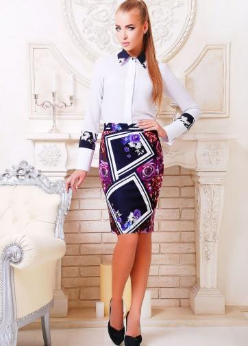 Блузка рубашечного покроя с воротником и цветными вставками