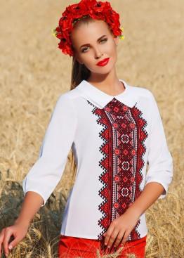 Блузка с отложным воротником и украинским орнаментом по центру спереди