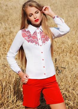 Классическая блузка с длинным рукавом и черно-красным орнаментом на груди