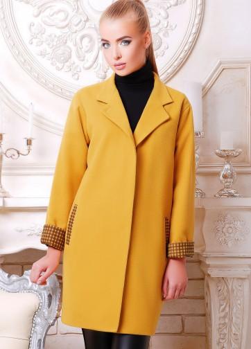 Широкое женское пальто с воротником-стойка