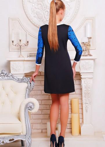 Темно-синее платье-трапеция с рукавом три четверти и узорным принтом