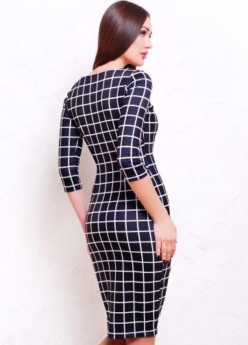 Черное облегающее платье в клетку с рукавом три четверти