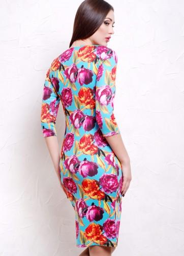 Полуприлегающее платье-миди с прямоугольным вырезом и пионами на бирюзовом фоне