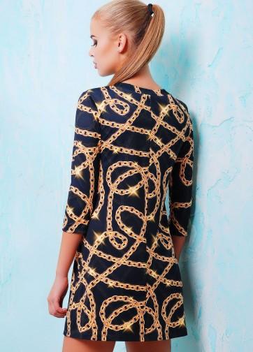 """Короткое женское платье-трапеция с принтом золотых цепей и надписью """"New York 78"""""""