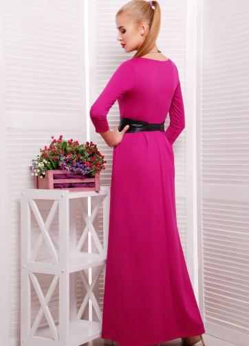 Роскошное длинное платье с рукавом три четверти и кожаным поясом