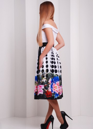 """Праздничное приталенное платье-миди с открытыми плечами и принтом """"Пион-горох"""""""