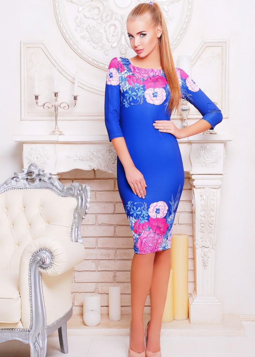 Голубое короткое платье срукавом три четверти