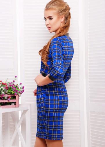 Трикотажное платье-тюльпан с щелевидным глубоким вырезом и кожаными вставками