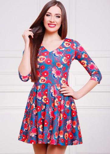 Бирюзовое приталенное платье с маками со складками и V-образным вырезом