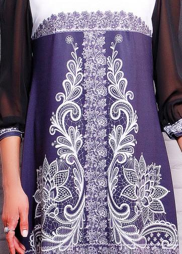 Платье-трапеция с черным шифоновым рукавом и кружевом
