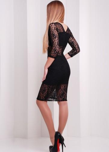 Облегающее коктейльное платье с прозрачными гипюровыми вставками