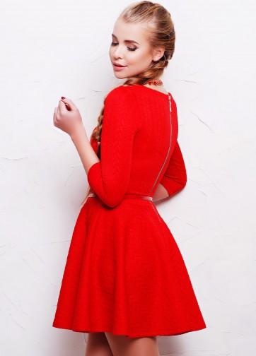 """Приталенное платье из дайвинга """"коса"""" с рукавом три четверти и расклешенной юбкой"""