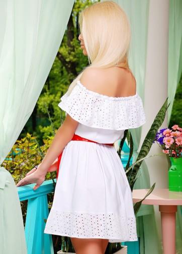 Белый сарафан с перфорацией и открытыми плечами