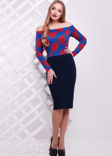 Облегающее платье с открытыми плечами и цветочным верхом