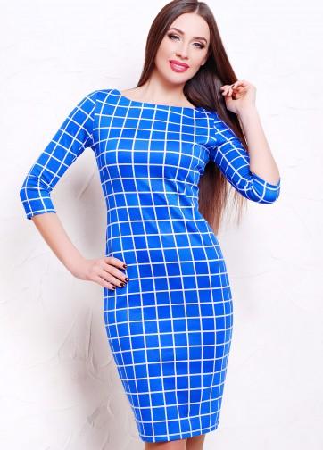 Синее облегающее платье в клетку с рукавом три четверти