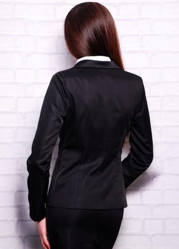 Классический пиджак приталенного силуэта с английским воротником