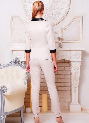 Пиджак с укороченным рукавом и английским воротником со вставками кожи