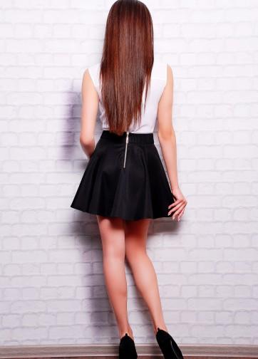 Короткая юбка-клеш из костюмной ткани