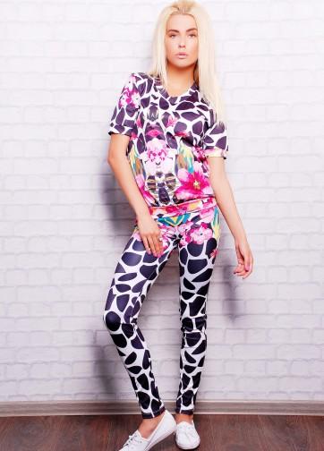 """Брючный костюм с коротким рукавом и принтом """"Цветной жираф"""""""