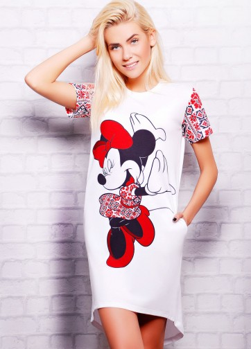 """Удлиненная футболка-фрак с украинским орнаментом и принтом """"Minnie Mouse"""""""