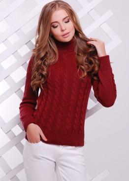 Вязаный свитер с косами и высокой горловиной